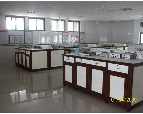 CENTRE-TABLE-BASIC-ELECTRONICSLAB